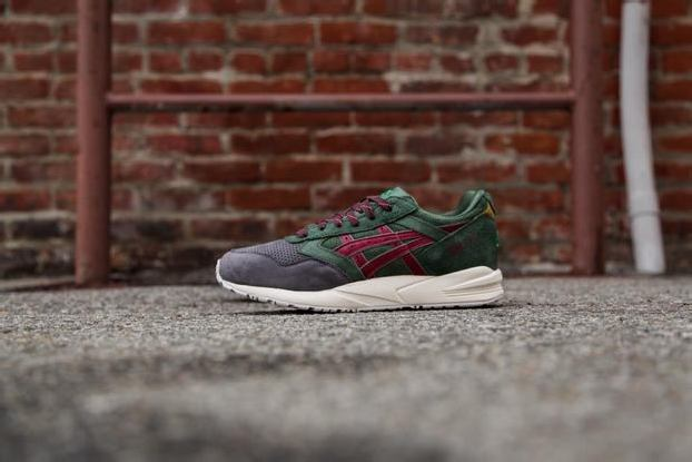 "ASICS 2014 CHRISTMAS PACK – GEL SAGA ""CHRISTMAS TREE"""