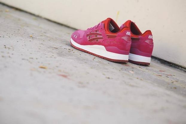 ASICS WOMEN'S GEL LYTE III – RASPBERRY