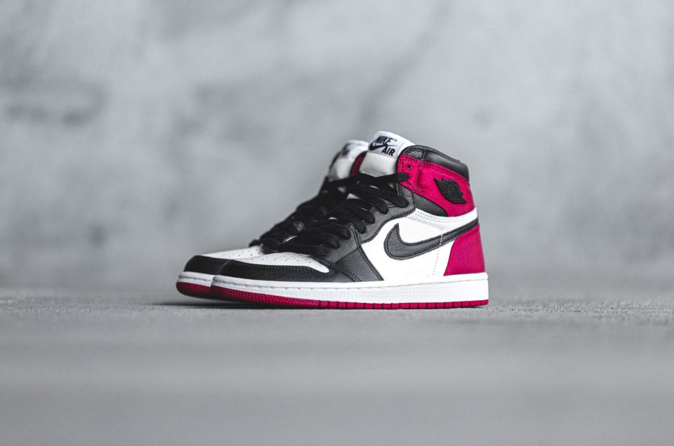 Air Jordan 1 Retro High OG – Satin Black Toe