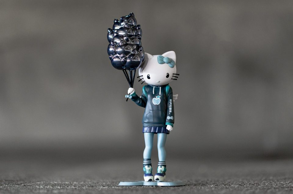 BAIT x Kidrobot Hello Kitty Candie Bolton Figure – Feeling Blue