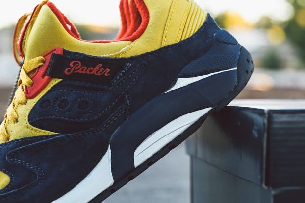 "PACKER SHOES x SAUCONY GRID 9000 ""SNOW BEACH"" – BAIT"
